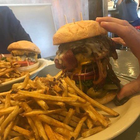 The Brakeman American Grill: photo0.jpg