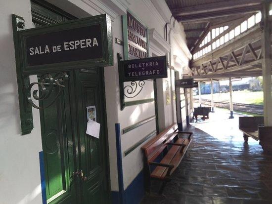 Estacion de Ferrocarril: Sala de espera