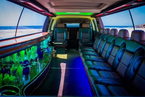 Los Cabos Express: VIP Limo Service