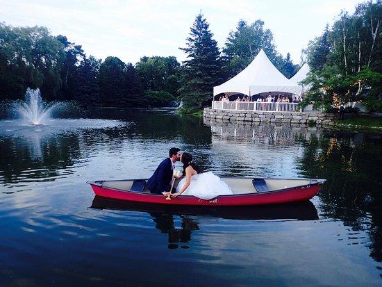Nestleton, Canada: Canoe-Wedding Time!
