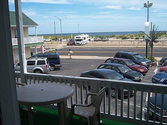 Desert Palm Inn: Ocean view room