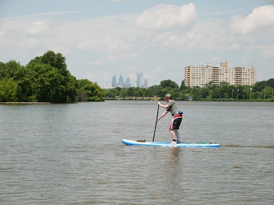 Crosswater SUP: Learn proper technique from certified instructors.