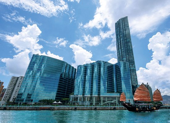 Harbour Grand Kowloon: Hotel exterior