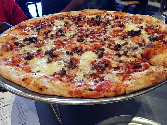 "Lazy Moon Pizza: Lazy Moon 20"" Pie was great."