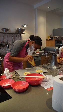 Les Secrets Gourmands de Noemie: perfecting the new skill in no time