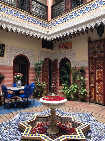 Riad Bleu Du Sud: gorgeous courtyard