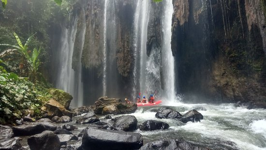 OURTRIP1st - Day Tours: white water rafting at Pekalen river