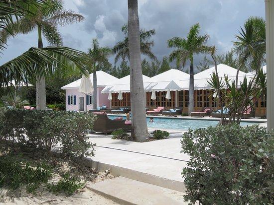 Treasure Sands Club: Beautiful pool!