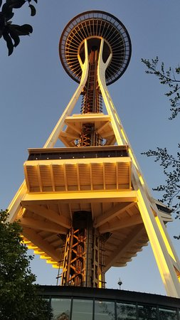 Space Needle: Perspective