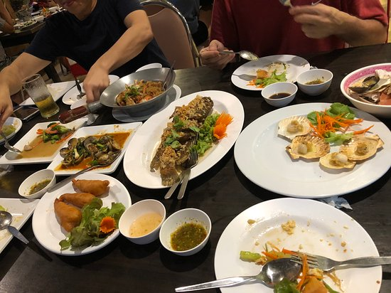 Krua Thara: Beginning of dinner