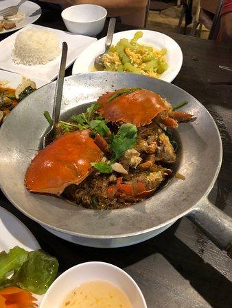 Krua Thara: Crab with vermicelli