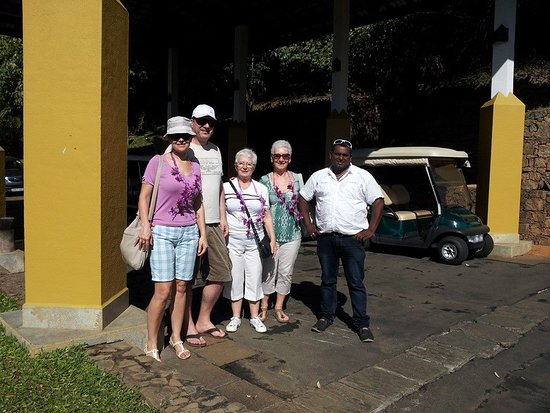 Sri Lanka Paradise Tours: Travel with guest