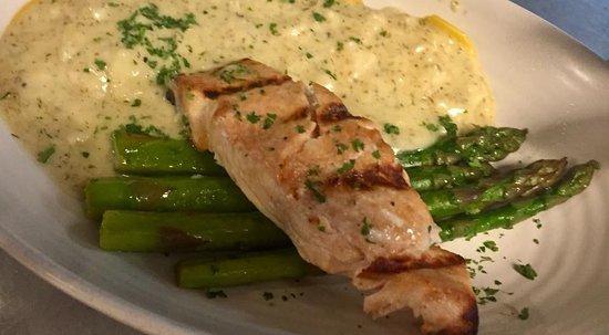 Luciano's: Salmon Asparagus