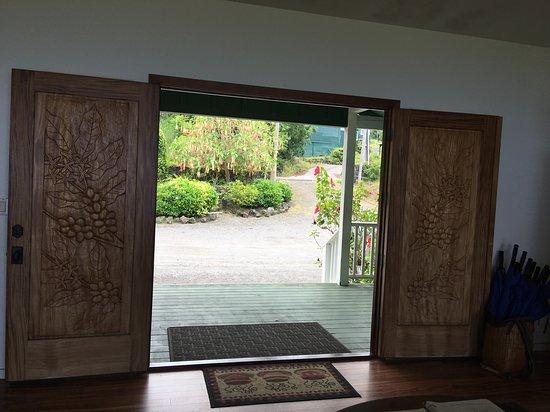 Holualoa, HI: Even the doors are stunning!