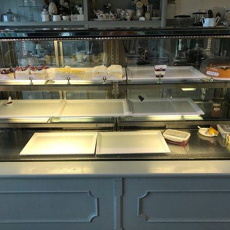 Angel Cake & Dessert Cafe: photo0.jpg