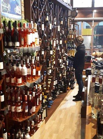 Cava Gkafas: Inside the store
