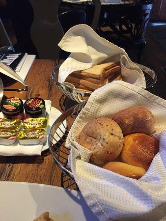 Hotel Hemera: Bread basket, assortment of jams and butter