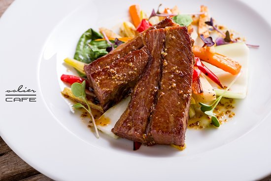 Solier Cafe - Restaurant & Confectionary: Beef brisket with Dijon mustard jus and grilled vegetables