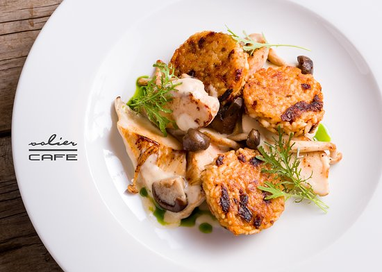 Solier Cafe - Restaurant & Confectionary: Chicken stew with forest mushrooms and roasted dried tomato-rice pie