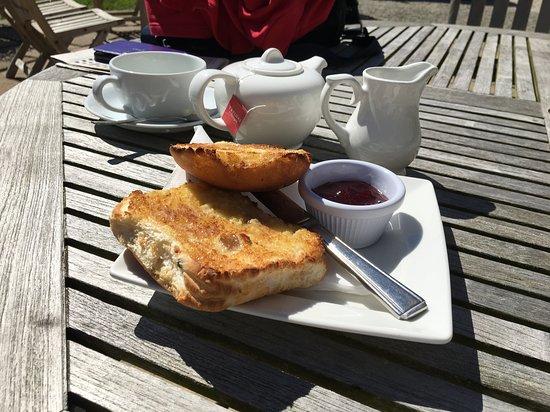Byland Abbey Inn: Try the teacake