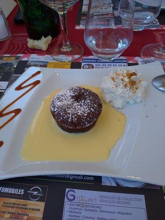 L'Aigle, França: fondant au chocolat comme dessert ...