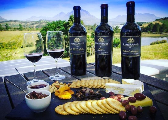 Remhoogte Wine Estate: Cheese platter with our reserve wines