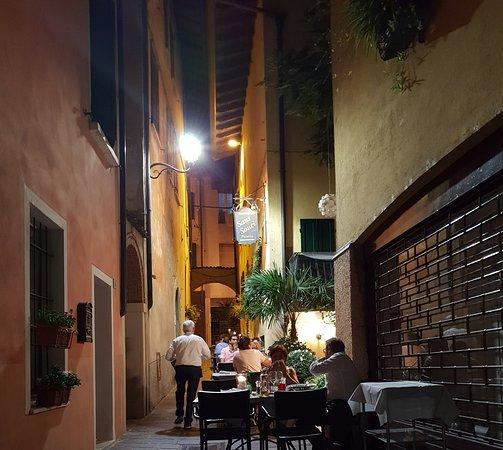 Ristorante Pizzeria Sans Souci: Late evening.