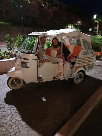 Ristorante Pizzeria Sans Souci: Your carriage awaits m'lady!