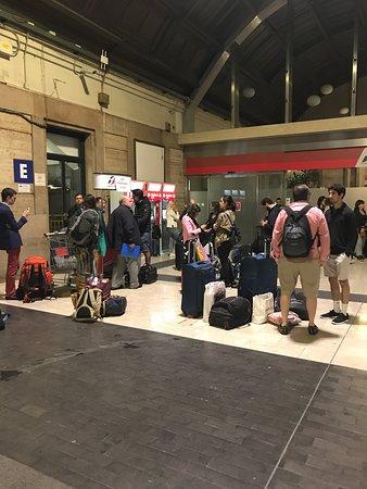 Thello Train: passagers désœuvrés à 1h du matin en gare de Milan, merci THELLO !