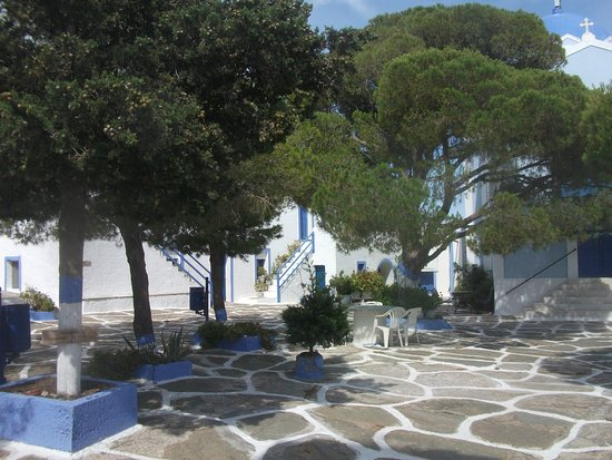 Panagia Kastriani Monastery: You can almost see how simple and peaceful it is