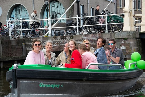 Greenjoy: Sail along the historic canals of Alkmaar.