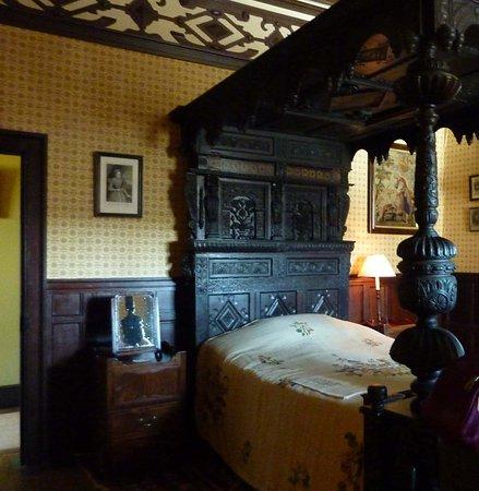 Lyme Park: Ghost room