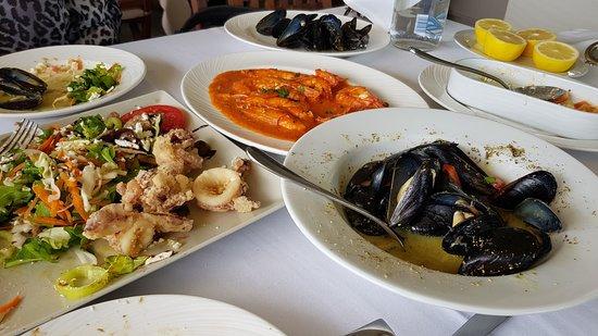 Vrachos Seafood Restaurant: Μυδια φρεσκα και μεγαλα