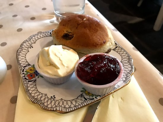 Tissington, UK: Good scone