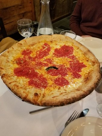 Patrizia's of Long Island: Family style, plenty of food. All delicious