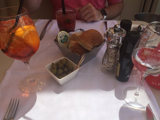 Le Girelier: Aperol Champagne and a Strawberry fraise