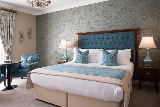 Clanard Court Hotel: Deluxe Room - blue