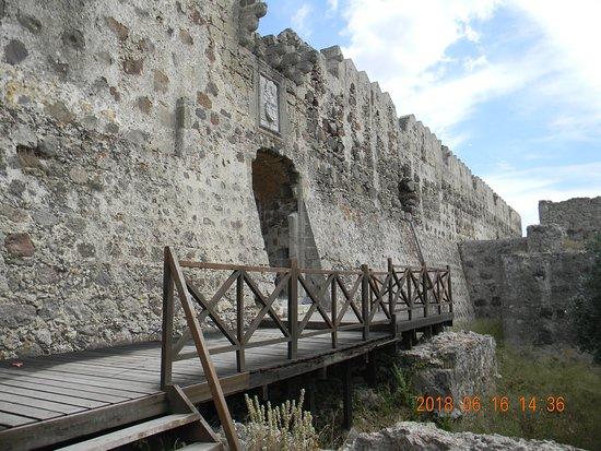 Antimachia Castle: wejście do zamku