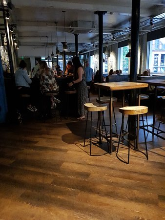 Tariff & Dale: Bar Area - Entrance Level