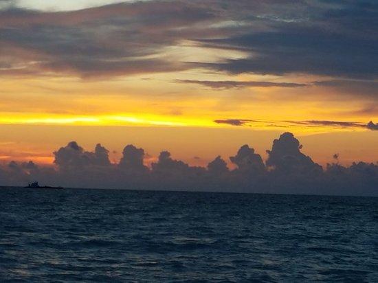 Belleair Beach, FL: 20180621_203917_large.jpg