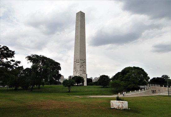 Obelisco do Ibirapuera: Obelisk of Sao Paulo