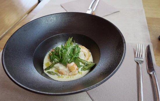 Raven Cafe: Risotto aux crevettes et son coulis crémé aux asperges vertes