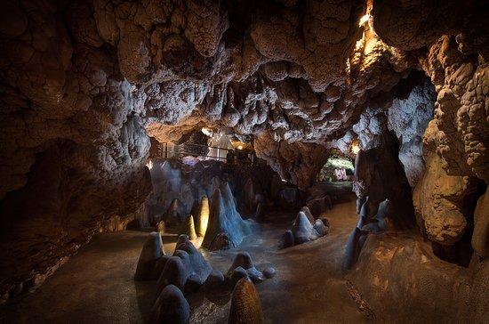 Grotta Giusti Spa: The Thermal Grotto - Grotta Termale Naturale