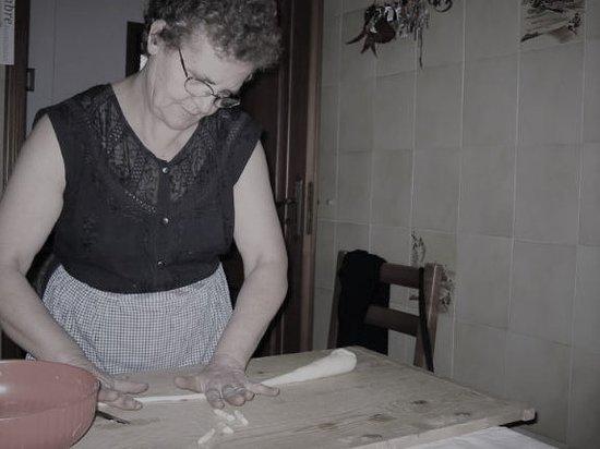 Wembley, Australia: Aunt Silvia making cavatelli pasta