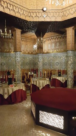 Dar Essalam: the restaurant