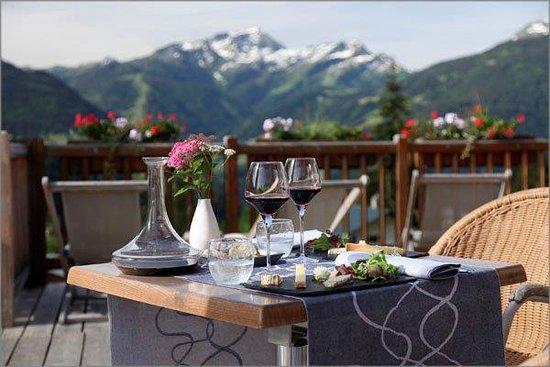 Hauteluce, فرنسا: Déjeuner avec vue