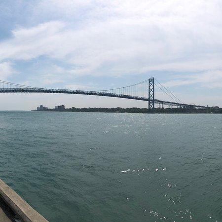 Изображение Ambassador Bridge