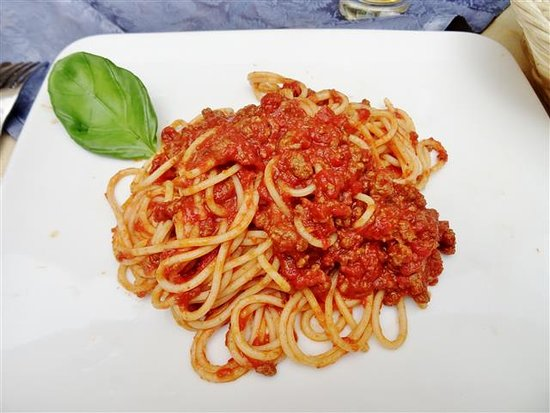 Sedil Dominova: Spaghetti w/meat sauce....good!