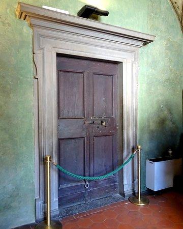Mus.e Firenze: ヴァザーリ回廊からヴェッキオ宮殿への扉