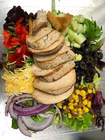 WINGS 4U: Fresh Salads